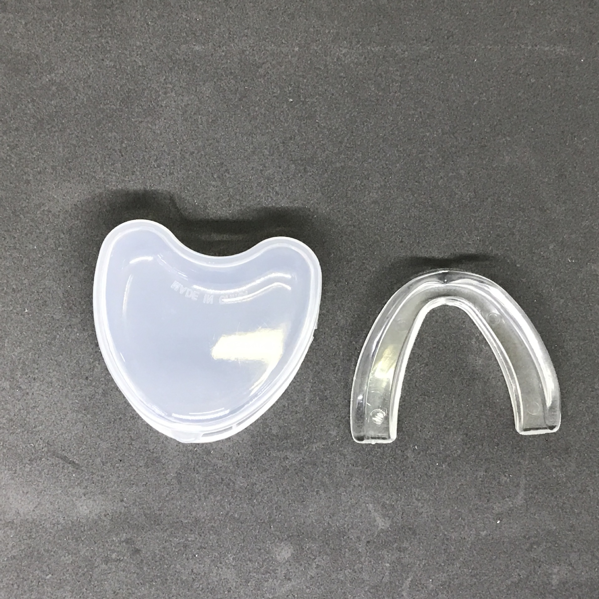 Sports Mouth Guard with Carrying Case ESG12858